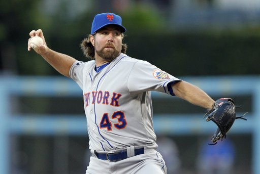 R.A. Dickey moves record to 12-1 after complete game shutout of Dodgers