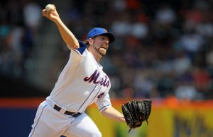 R.A. Dickey pitches complete game for 15th win