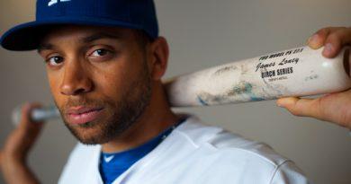 Mets Get James Loney