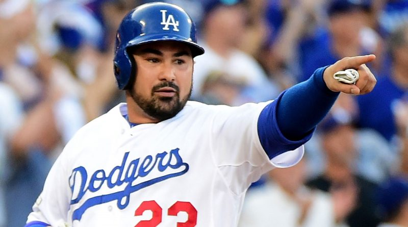 Reports: Mets to Sign Adrian Gonzalez